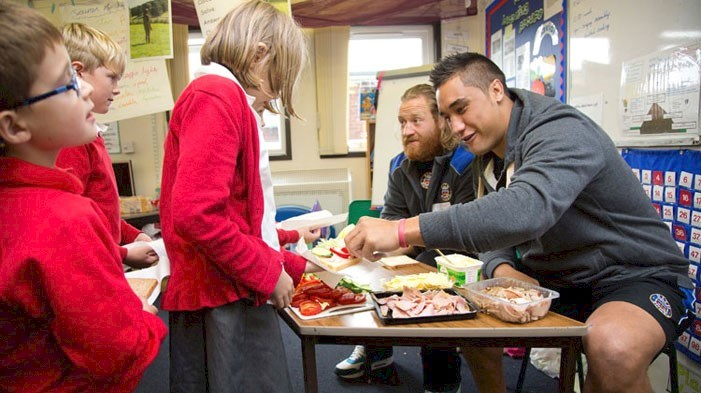 Bath Rugby players promote healthy eating programme