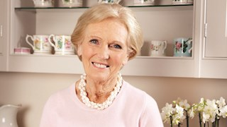Mary Berry talks Bath Rugby and baking (of course)