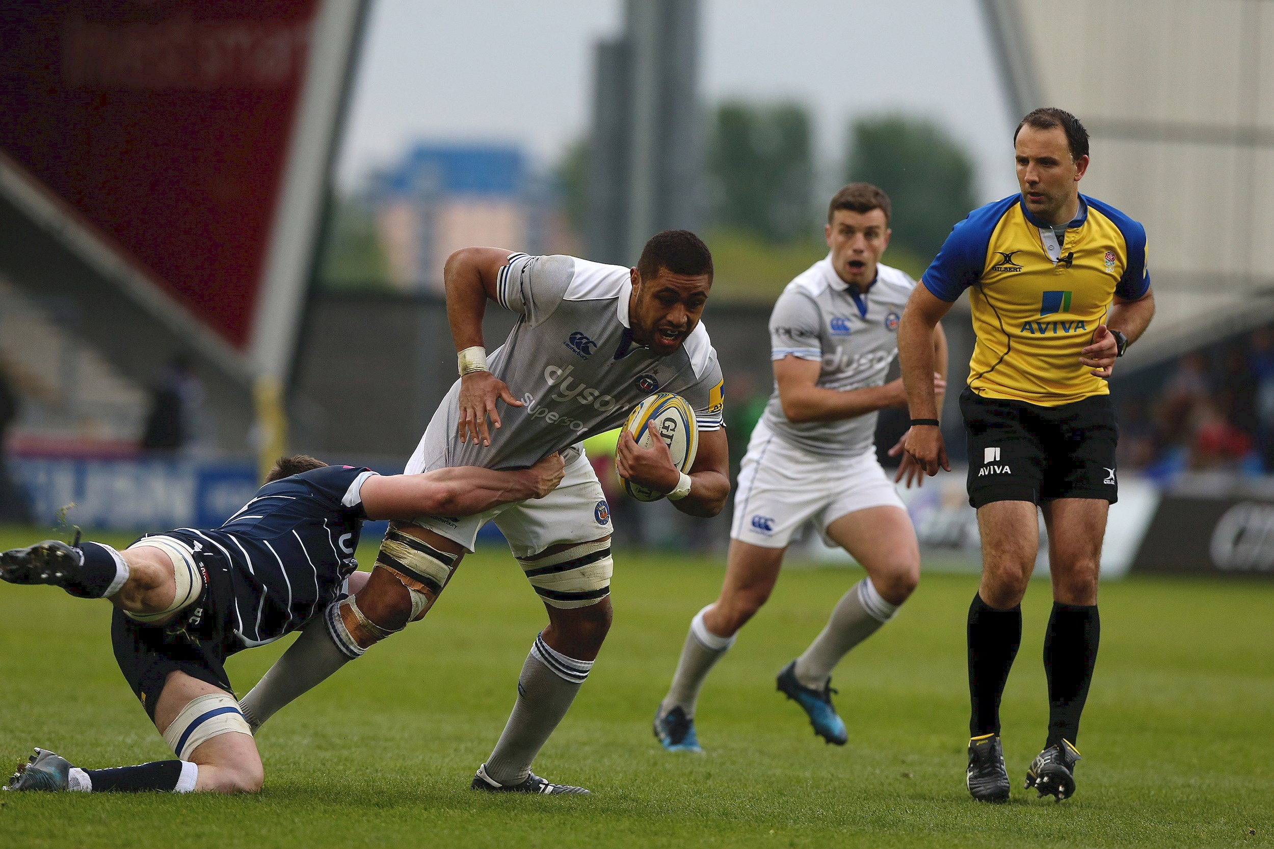 Sale Sharks hold off Bath Rugby's second-half comeback