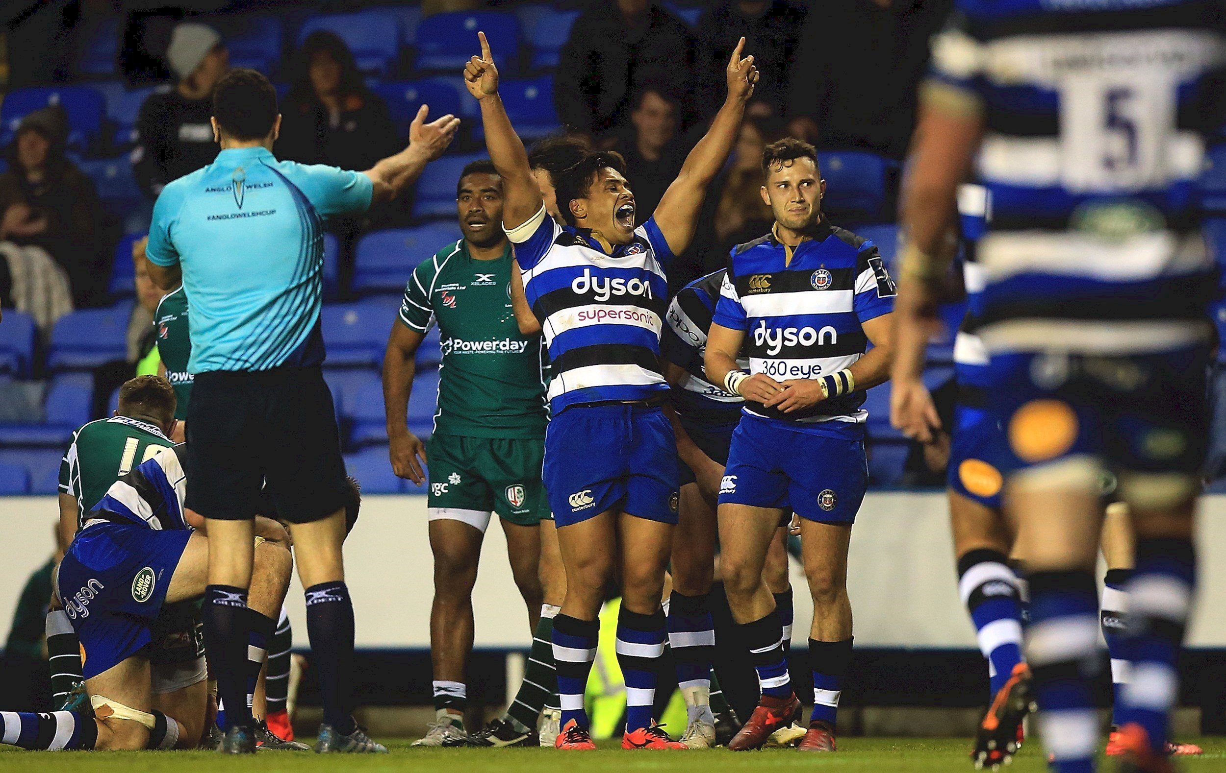 Burns boots Bath Rugby to hard-fought victory