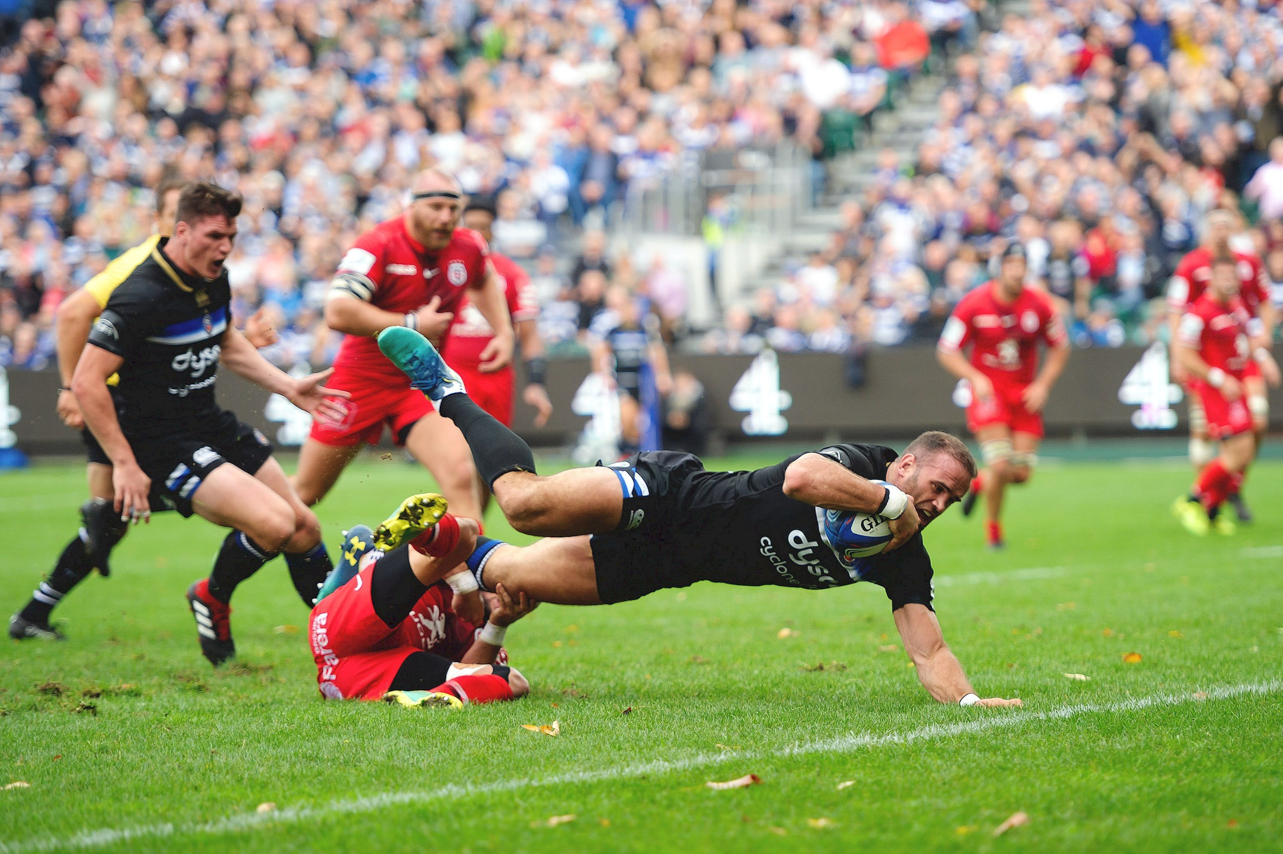 Toulouse grind out narrow victory over Bath Rugby at the Rec
