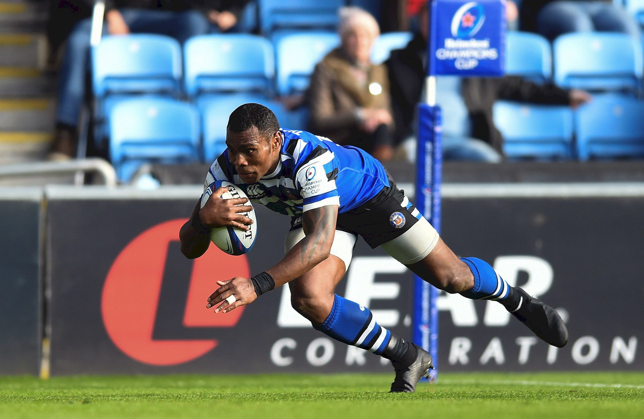 Spoils shared in 10-try thriller at the Ricoh Arena