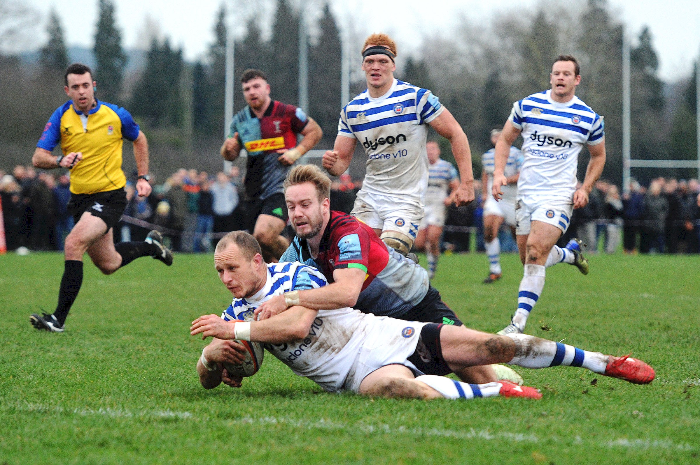 United make it three in a row with victory over Harlequins